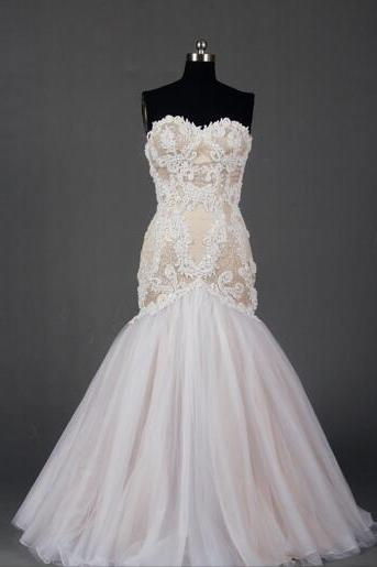 Strapless Sweetheart Lace Mermaid Dress with Lace Appliqués