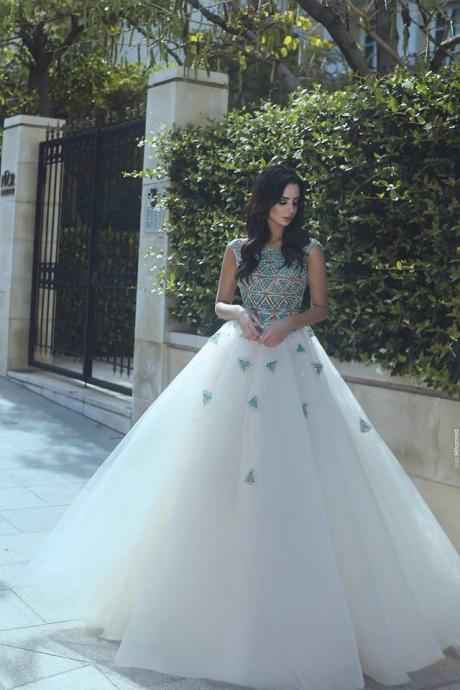 Ball Gown Wedding Dresses 2018 Sexy Beaded Crystals Puffy Bridal Gowns Tulle Custom Made